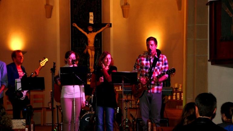 Worship-Abend von eleven4HIM in Mühlacker