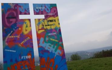 Kreuzweg der Jugend am Högy und Albert-Schäffle-Schule